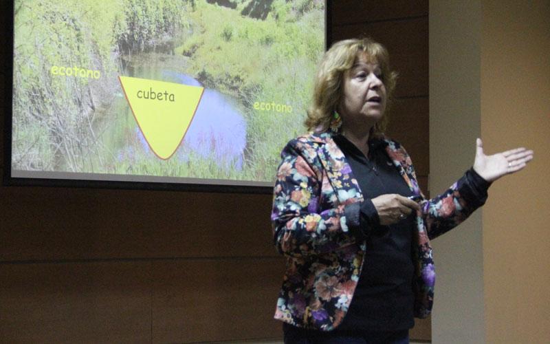 """Liliana Iturriaga, bióloga: """"Los humedales se pueden transformar en un gran patrimonio turístico para la región de Coquimbo"""""""